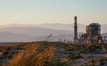 Conservation groups are fighting a proposal to build a natural-gas unit at the Puente power plant in Oxnard. (Earthjustice)