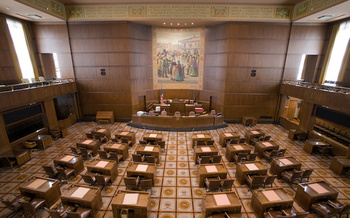 Large donors contributed 14 times as much as small donors to Oregon candidates and ballot measure campaigns in 2016. (Cacophony/Wikimedia Commons)