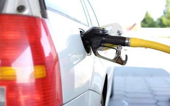 A carbon tax could be used to help reduce pollution from carbon-based fuels such as gasoline. (andreas160578/Pixabay)