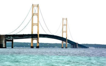 The pipeline under the Mackinac Straits transports up to 23 million gallons of crude oil and natural gas liquids each day. (JasonGillman/morguefile)