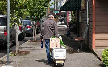 Between 2015 and 2017, homelessness increased six percent in Oregon. (Oregon Food Bank)