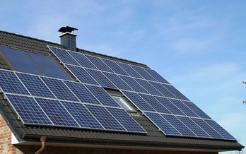Sixty-one U.S. cities, including three in Pennsylvania, have committed to reaching 100 percent renewable energy. (skeeze/Pixabay)