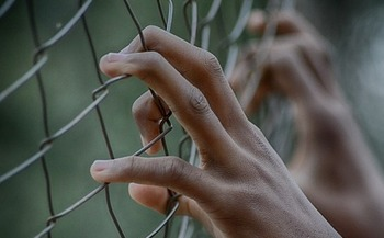 A Kentucky state senator says prisons are ill-equipped to handle the recent rise in the female population. (Pixabay)