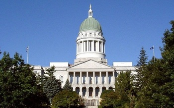 The Maine House of Representatives voted 81-69 to block a rollback of the minimum wage. (rmr2u/Wikimedia Commons)