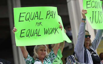 Women make 76 cents for every dollar a man makes in Idaho. (Joe Raedle/Getty Images)