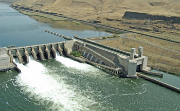The Lower Monumental Dam is one of four Snake River dams that could get protections from Congress. (samonrecovery/Flickr)