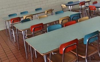 Some lower-income students would rather skip lunch than go to the cafeteria and be lectured or denied a hot meal because their parents owe the school money. (Wokandapix/Pixabay)