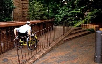 Los defensores quieren que el NYS apruebe la legislaci�n que invita a las viviendas nuevas a que tengan departamentos accesibles en el primer piso. (CDC)