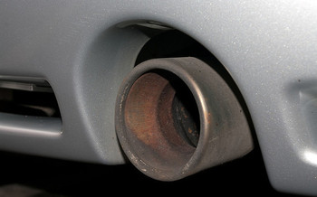 Climate action groups believe automakers need to set an end date for the sale of combustion-engine vehicles. (Guy Frankland/Flickr)