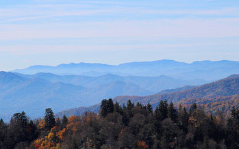 The haze of air pollution sometimes seen in Great Smoky Mountains National Park could increase if automakers are not mandated to produce more fuel-efficient vehicles. (Davynin/flickr)
