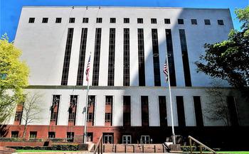 U.S. appellate judges heard nearly 60,000 cases in 2017. (Joe Wolf/Flickr)