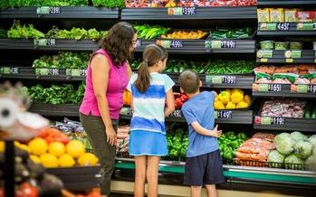 Food banks say making SNAP benefits harder to get could increase demand at food pantries. (American Heart Association)