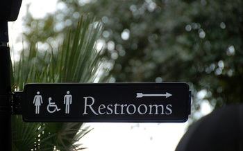 A study found no increase in criminal incidents in public restrooms from gender nondiscrimination laws. (evitaochel/pixabay)