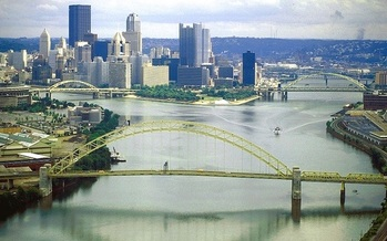 ORSANCO has managed pollution controls on the entire Ohio River system since 1948. (U.S. Army Corps of Engineers)