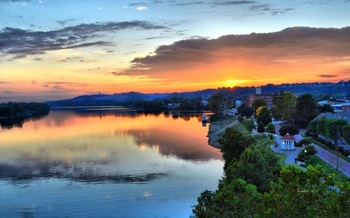 Could communities such as Marietta suffer if regional Ohio River pollution controls are eliminated? (Mike/Flickr)