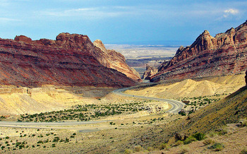The famous rock formations of the San Rafael Swell could gain federal protections under a new bill. (Don Graham/Flickr)