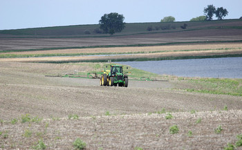 The anti-corporate farming law was passed by voter initiative in 1932, and has withstood its most recent court challenge. (Krista Lundgren/U.S. Fish and Wildlife Service)