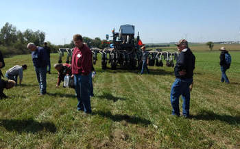 Cover-cropping has made inroads with farmers but government funding has lapsed without passage of a new farm bill. (lwvumrr.org)