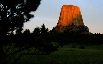 In 2017, 7 million people visited national park sites in Wyoming, including Devils Tower National Monument, generating over $1 billion in spending and supporting 12,000 jobs. (Mpujals/Pxhere)
