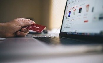Fraud-prevention experts suggest people use credit cards rather than debit cards for purchases and donations. (StockSnap/Pixabay)