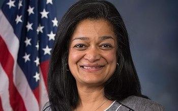 La Representante Pramila Jayapal, D-Wash., dice que el trabajo dom�stico hace posible que otras personas trabajen. (U.S. House of Representatives)