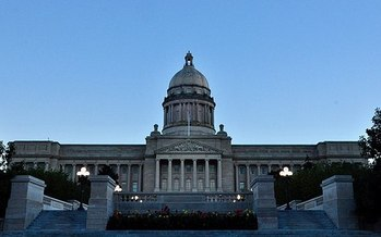 Is Kentucky's economy as strong as some state leaders suggest? (Tedd Liggett/WikiMedia Commons)