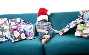 Magazines, newspapers and recycled paper are environmentally-friendly alternatives to wrapping paper. (Darby/Twenty20)