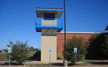 Of the 2 million people in U.S. jails and prison, 40 percent have at least one disability. (PublicDomainPictures)