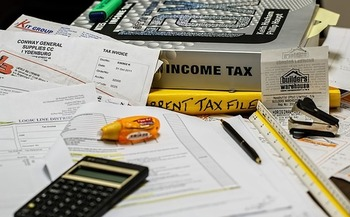 Nearly 46,000 Oregonians got help with their income taxes last year through the AARP Foundation Tax-Aide program. (stevepb/Pixabay)