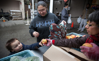 Food banks in Washington state are filling the gap for everyone from federal employees to small business owners in communities outside national parks. (Paul Joseph Brown/Northwest Harvest)