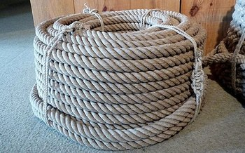 Hemp can be used to make rope, clothing and other products. (Ji-Elle/Wikimedia Commons)