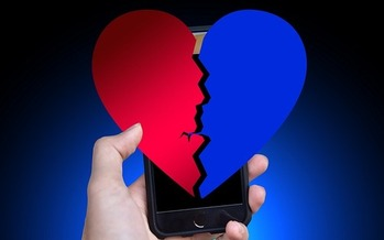Romance scammers create fake profiles, build relationships with individuals through social media, dating apps and websites, and then attempt to steal their money and disappear.(geralt/Pixabay)<br />