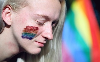 Policies that affirm students' gender identity help LGBTQ students succeed in school. (SharonMcCutcheon/pixabay)