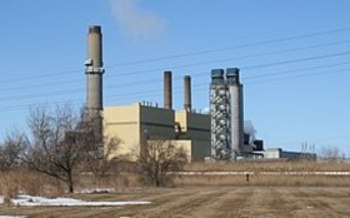 Consumers Energy has committed to closing two coal-fired units at its Karn Generating Complex near Bay City, Mich., by 2023. (Albert Herring/Wikimedia Commons)