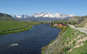 The Land and Water Conservation Fund has opened public access to places such as the Salmon River and the Sawtooth Mountains. (Fredlyfish4/Wikimedia Commons)