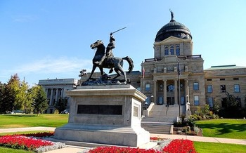 A bill on Colstrip is being considered by the Montana House. (Tracy/Flickr)