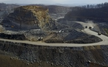 Some health researchers have tied mountaintop-removal coal mining to much higher rates of cancer in people living nearby. (Stockman/Southwings)