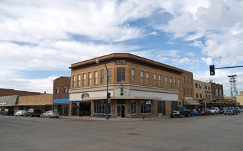 Areas such as Williston in western North Dakota are struggling to attract attorneys. (Andrew Filer/Flickr)