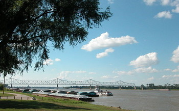 Conservation groups say Ohio River water-quality standards are especially important for downstream communities such as Cairo, Illinois. (Ken Lund/Flickr)