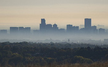 For four decades, individual states have had the authority under the Clean Air Act to adopt stronger tailpipe pollution standards than those set by the federal government. (U.S. Energy Department)<br />
