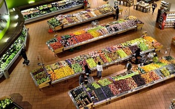 The abundance at a well-stocked grocery store is only an ideal for some parts of Indiana. (ElasticComputeFarm/Pixabay)