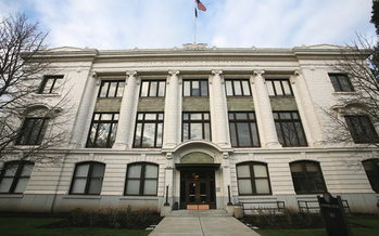 Senate Bill 1049 would cut individual account programs 5-14 percent. The bill is now being challenged before the Oregon Supreme Court. (Cacophony/Wikimedia Commons)