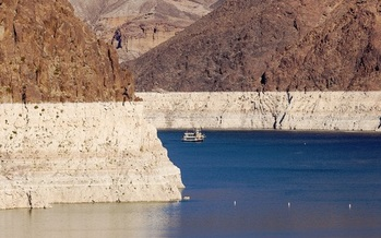 An extended drought has caused the water levels in Lake Mead near Las Vegas to drop more than 100 feet since 2000. (alexfamous/AdobeStock)<br /><br />