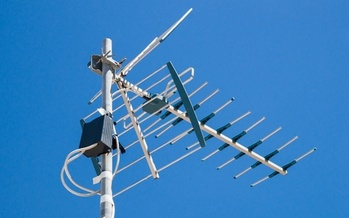 According to Nielsen, 16.4 million U.S. households had over-the-air digital antennas in 2018, compared to 12 million in 2014. (pabkov/AdobeStock)