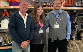 Iowa Sen. Brad Zaun, R-Urbandale, left, visted Jessica Williams' place of employment and met in Urbandale and met her manager, David Watts as part of October's National Disability Employment Month. (DDCouncil)