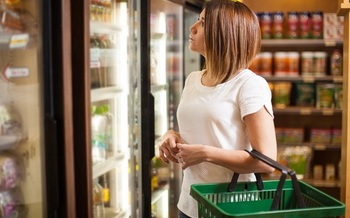 Arkansas health officials say residents in rural counties don't always have access to healthy food choices, often having to shop in gas stations or convenience stores for their groceries. (Diaz/AdobeStock)<br /><br />