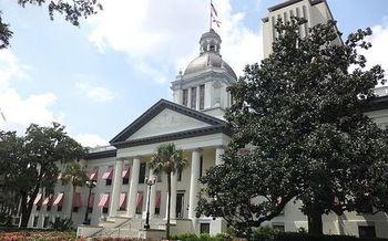 La Legislatura de Florida se reune cada año durante 60 días consecutivos. El Gobernador dice que el pago a los maestros será una de las prioridades del 2020.