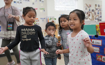 A new report recommends tripling the number of slots for infants and toddlers in state-subsidized child care. (Greg Gayne/Para Los Ninos)