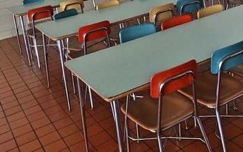 With New Mexico schools closed for three weeks starting today, the state is keeping cafeterias open to feed kids, organizing grab-and-go meals and working with the National Guard to help distribute student meals. (Pixabay/Wokandapix)
