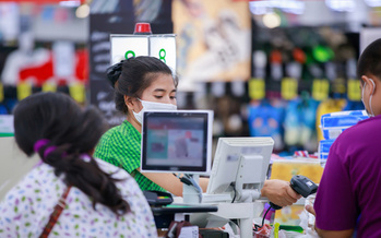 In states such as Illinois and Maryland, reports have surfaced of grocery store workers dying after contracting COVID-19. (Adobe Stock)